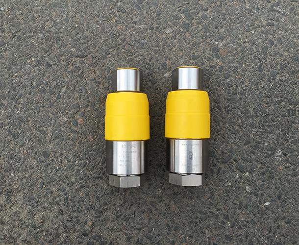 CNG-25-10T压缩天然气拉断阀